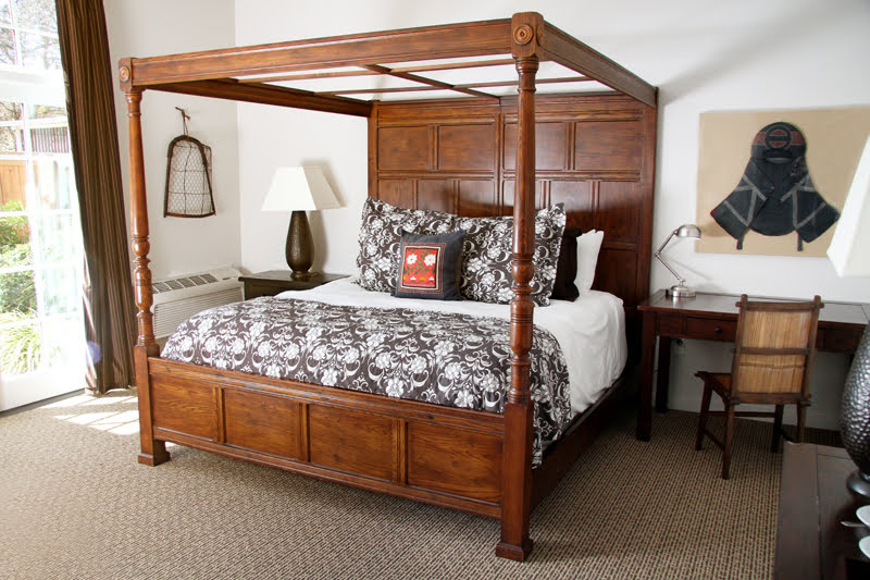 Kaizen Suite King Size Canopy Bed